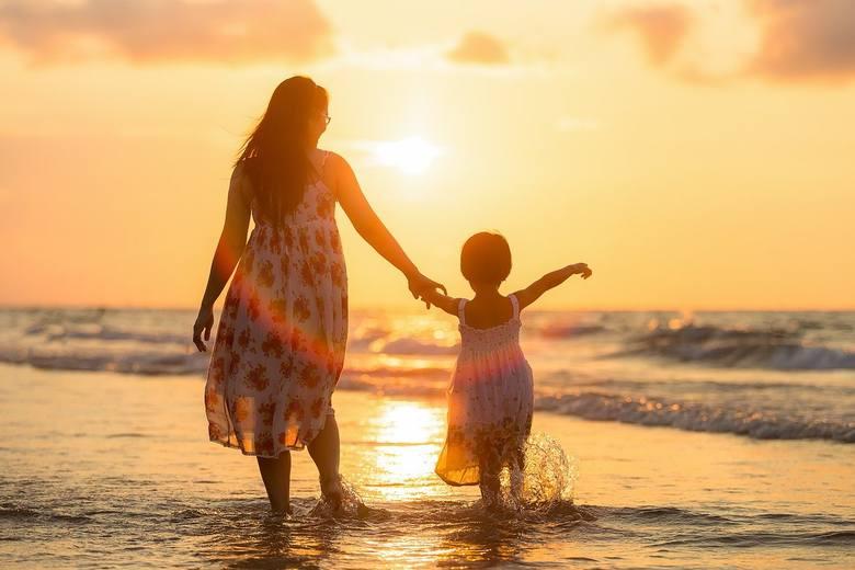 Agaty o dzieci boją się nawet nadmiernie, bywają nadopiekuńcze. Są wiernymi żonami, wspierają męża w aspiracjach, zależy im jednak na partnerstwie. Nie