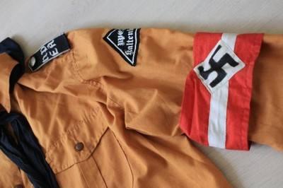 Czy po Toruniu można bezkarnie chodzić w mundurze Hitlerjugend? Czy można mieć w komputerze 400 plików propagujących faszyzm? Na razie wszystko wskazuje