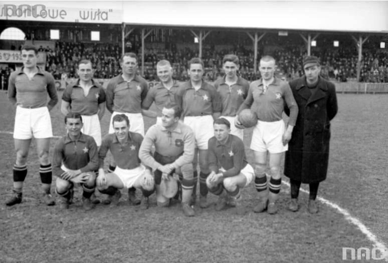 1937: 5:0 z Warszawianka1939: 5:0 z Wartą Poznań1948: 5:0 z Polonią Warszawa1948: 5:0 z Polonią BytomNa zdjęciu: drużyna Wisły w 1937 roku