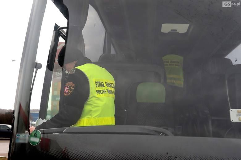 Polska znosi kontrole graniczne z państwami Unii Europejskiej oraz obostrzenia sanitarne