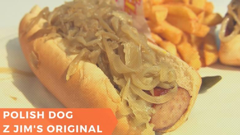 Hot dogi z Jim's Original są prawdziwą legendą w Chicago. Przepis jest prosty - potrzebujemy polskiej kiełbasy i dużej ilości grillowanej cebuli. Tradycja