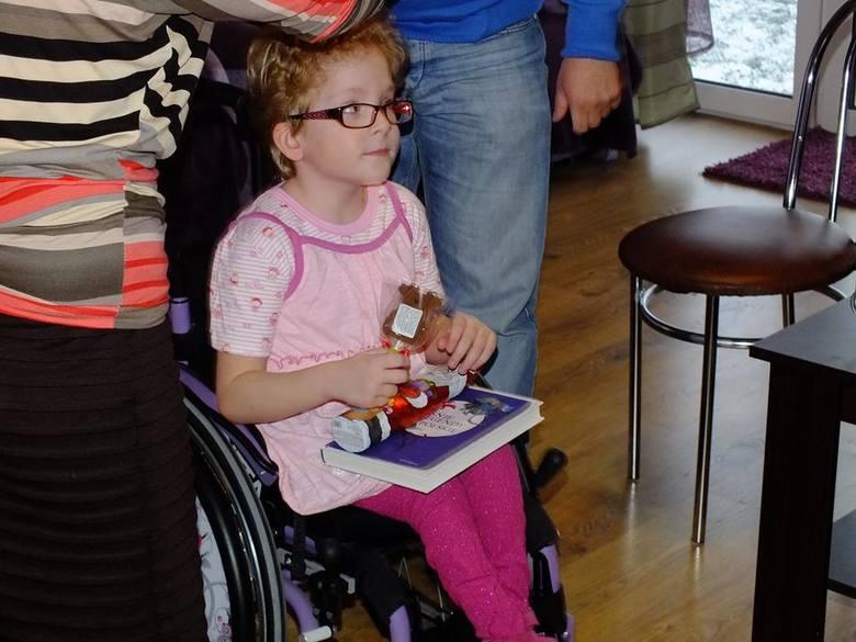 Werka ma już osiem lat i coraz częściej doskwiera jej to, że nie może chodzić. Ma żal... do nóg.