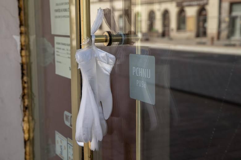 W sklepach zaczyna brakować pracowników przez koronawirusa. Jak walczyć z tą sytuacją? Polska Izba Handlu apeluje do rządu
