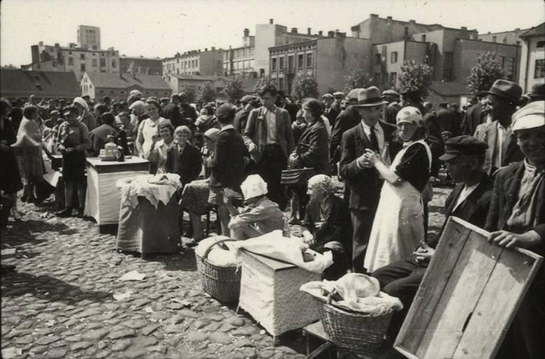Archiwiści i historycy Instytutu Zachodniego i Instytutu Pamięci Narodowej w Poznaniu skanują i opracowują unikatowe zdjęcia z II wojny światowej w Kraju