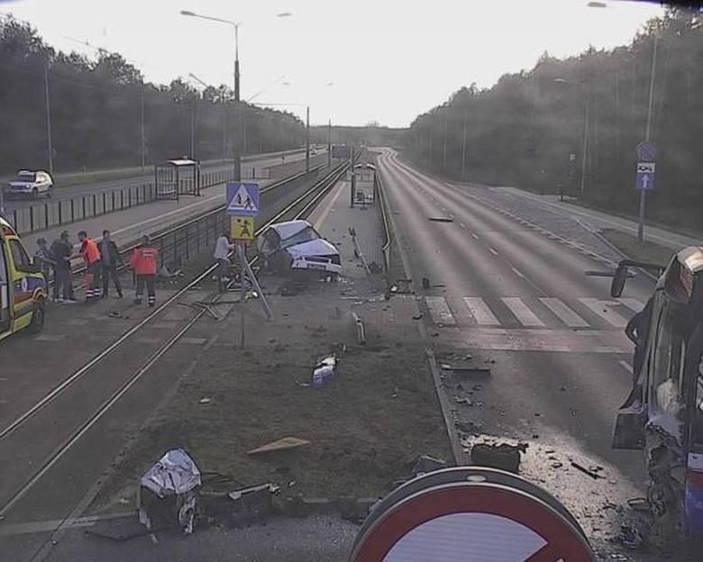 Do zdarzenia doszło wczoraj (9 kwietnia) około godziny 18 na skrzyżowaniu ulic Akademickiej i Romanowskiej w Fordonie. Wówczas dyżurny bydgoskiej policji