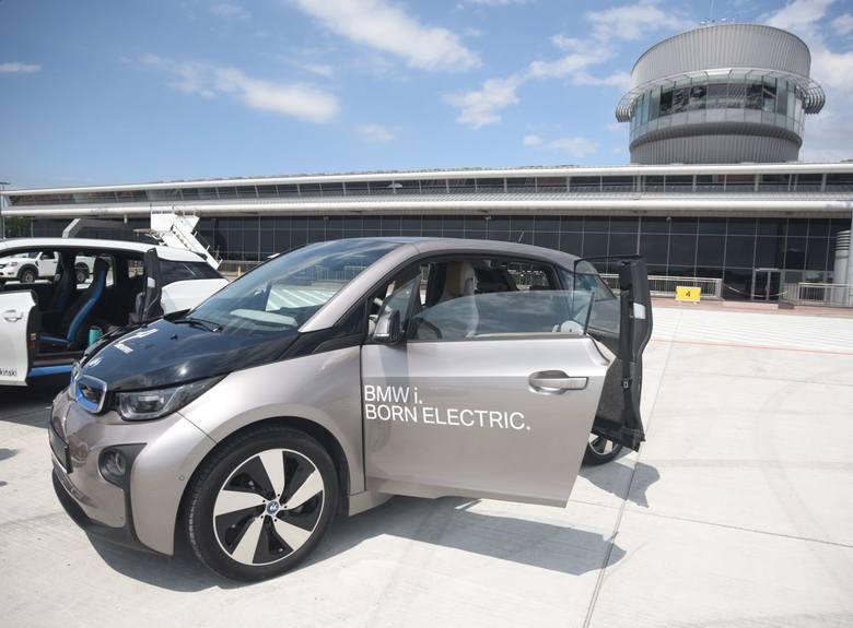 W ubiegłym roku do kupna elektrycznych aut przymierzał się łódzki port lotniczy.