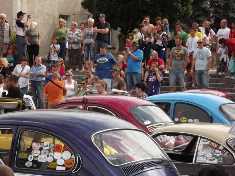 Zlot Garbusów pod Ślężą: Barwna parada i wybory miss... samochodów (ZDJĘCIA)