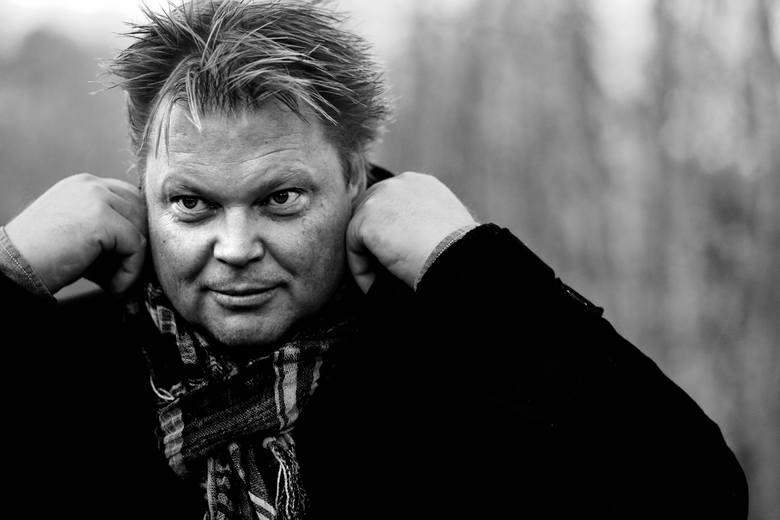 """Jorn Lier Horst ma 49 lat. Jego najbardziej znane powieści to """"Jaskiniowiec"""" i """"Ślepy trop"""""""