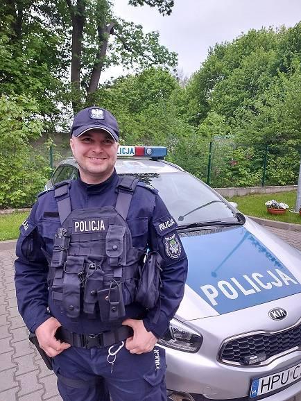 Do szczęśliwego odnalezienia doszło w czwartek, 13 maja. Sierż. sztab. Michał Berełkowski z Komisariatu Policji w Czerwonaku po skończonej służbie wracał