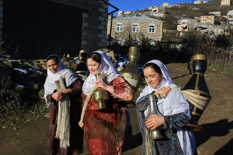 W Kubaczi kobiety w tradycyjnych strojach