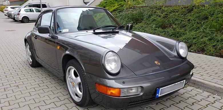 W nocy 30 stycznia 2019 r. około godz. 3.00 z garażu przy ulicy Jagiellońskiej w Bydgoszczy skradziono Porsche 911. Auto jest z roku 1991 (generacja