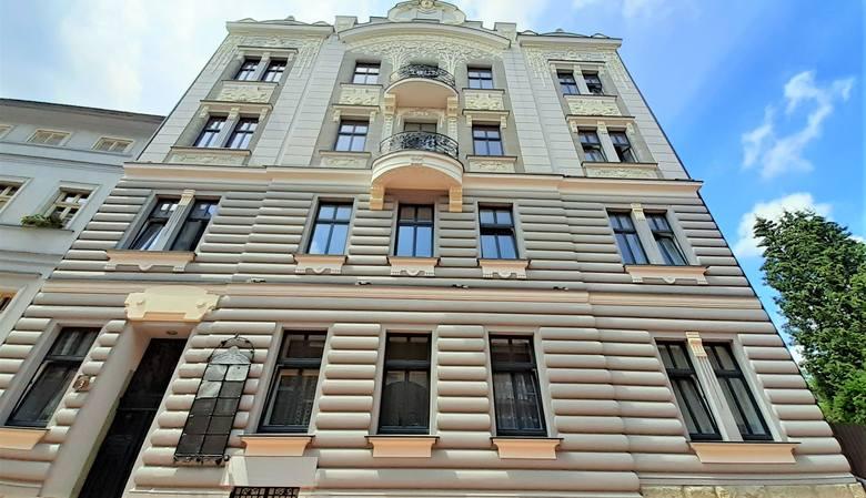 Kamienica przy ul. Mickiewicza 3.Zobacz kolejne zdjęcia. Przesuwaj zdjęcia w prawo - naciśnij strzałkę lub przycisk NASTĘPNE