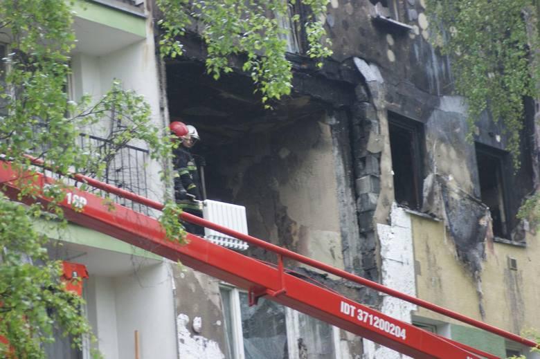 Nowy Targ. Wybuch gazu w bloku, są ranni [ZDJĘCIA, WIDEO]