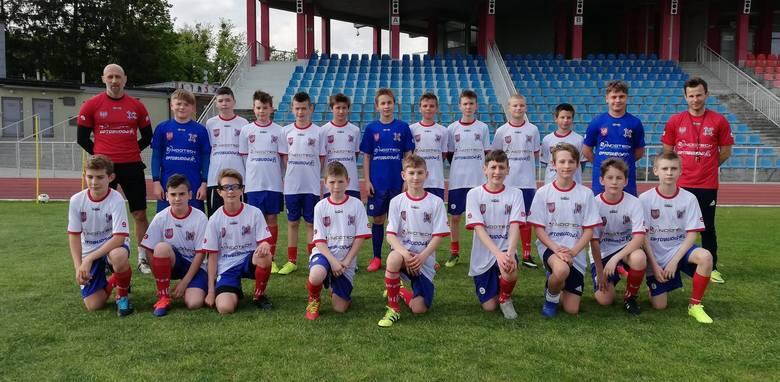 Grupy młodzieżowe SKS Wisła Sandomierz już trenują. Młodzik młodszy przygotowuje się do nowego sezonu. Drużyna będzie występowała w najwyższej lidze