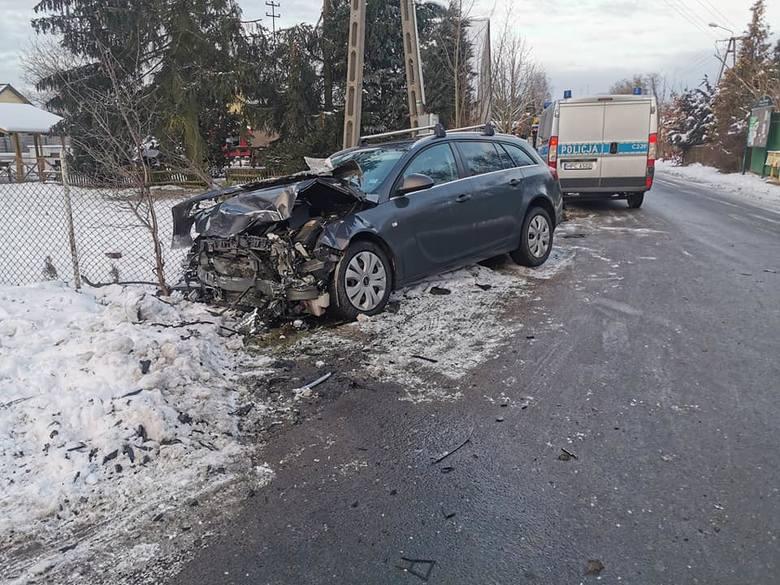 W piątek, 15 stycznia, w podbydgoskim Niemczu doszło do zderzenia dwóch samochodów osobowych.