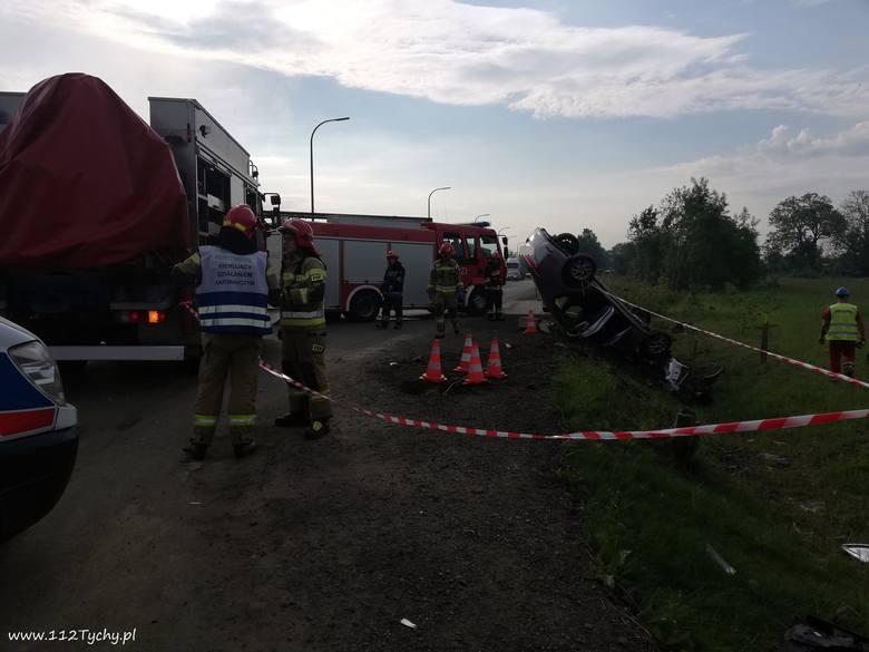 Do dramatycznie wyglądającego wypadku doszło na trasie DK44 w Tychach