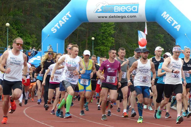 Ponad tysiąc osób wystartowało w 7. Piątce dla Bartka. Jest to najpopularniejszy bieg w Kielcach i jeden z najpopularniejszych w Polsce. Po raz pierwszy
