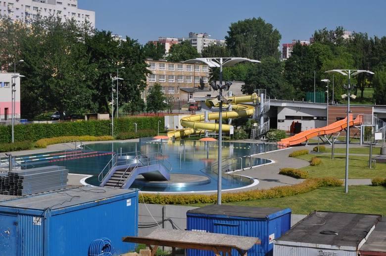 Częstochowa: Park wodny koło MOSiR-u przy Dekabrystów powstaje w szybkim tempie. Otwarcie za rok, w 2020 [ZDJĘCIA]