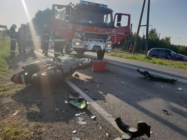 W niedzielne popołudnie doszło do groźnego wypadku na wysokości Ustronia Morskiego na drodze krajowej nr 11. Ze wstępnych ustaleń wynika, że kierujący