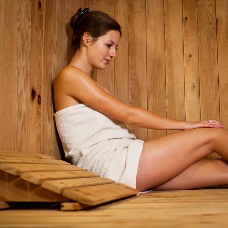 Odtruwanie wątroby według zwolenników tej teorii wymaga podgrzania ciała, najlepiej za pomocą seansów w saunie i/lub aktywności fizycznej
