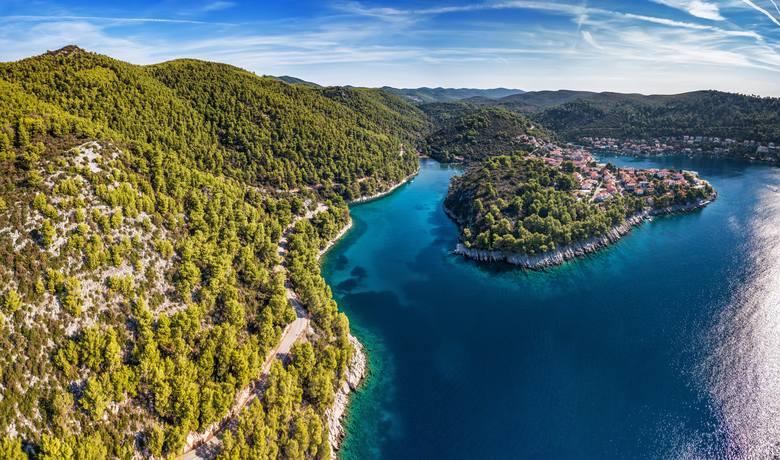 Park Krajobrazowy Telašćica to jedno z najcudowniejszych miejsc nad Adriatykiem. Odnajdziemy tutaj nie tylko urocze zakątki i piękne plaże, ale także