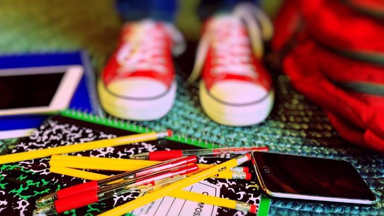 Jak pracować zdalnie, gdy w domu są dzieci? Najlepsze pomysły dla pracujących rodziców