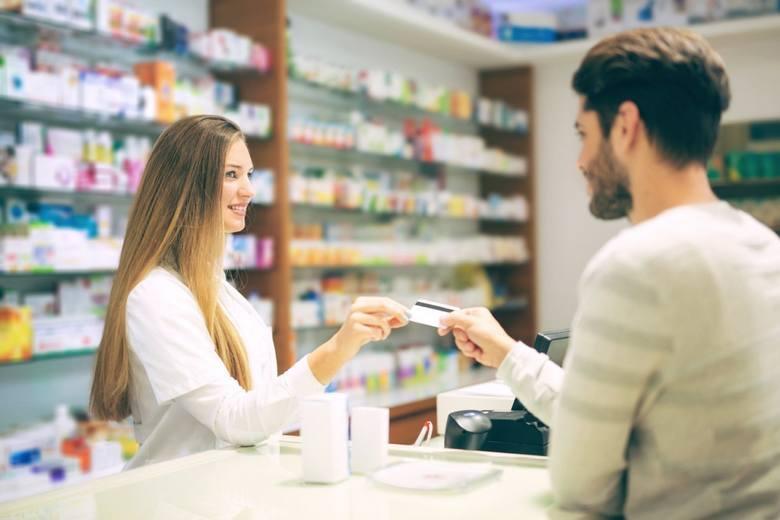 Aptekarz zamiast dr Goole'a? Ma w tym pomóc nowa ustawa o zawodzie farmaceuty, która apteki w końcu zmienić ma w prężne ośrodki zdrowia.>>>>>CZYTAJ