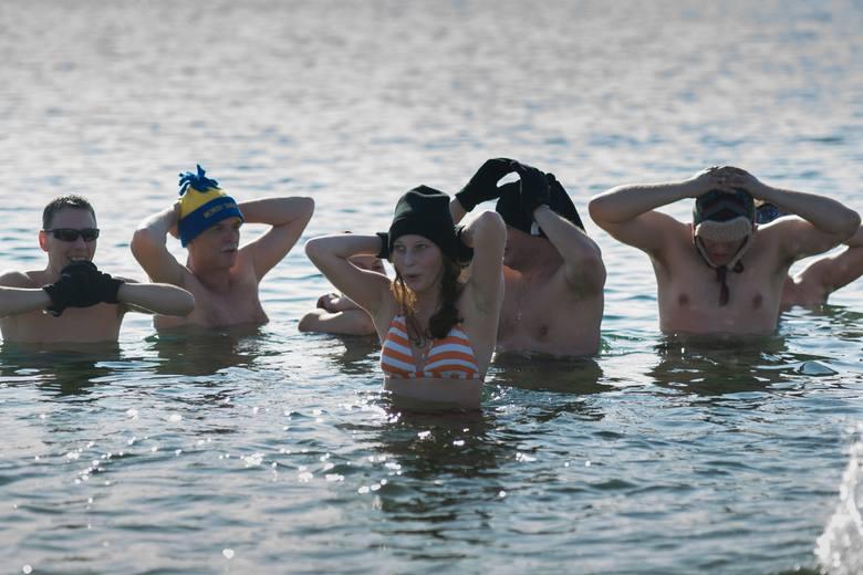 Tarnowskie morsy kąpią się w Radłowie [ZDJĘCIA, WIDEO]