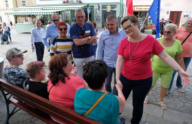 Czołowi politycy Koalicji Obywatelskiej Bartosz Arłukowicz i Katarzyna Lubnauer ruszyli w Polskę, aby zachęcać ludzi do udziału w jesiennych wyborach
