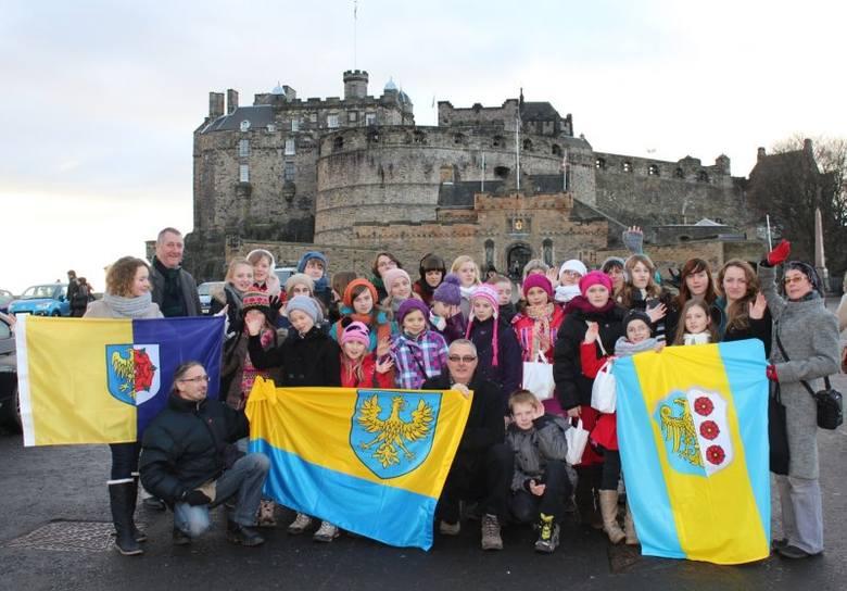 Uczniowie pod opieką Justyny Kunickiej spędzili w Szkocji prawie tydzień, dając kilka koncertów.Koncertowe tournee zorganizowano w ramach współpracy