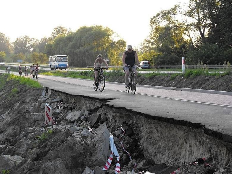 Pierwszy raz ścieżka osunęła się krótko po jej wybudowaniu w 2010 roku.