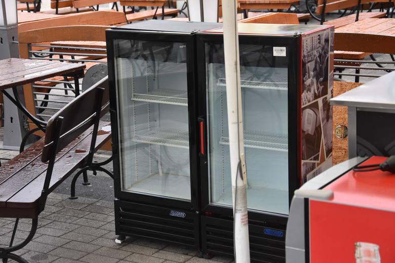 Rybnik: W ogródkach piwnych na rynku nie może być dużych lodówek. A małe mogą porazić prądem?