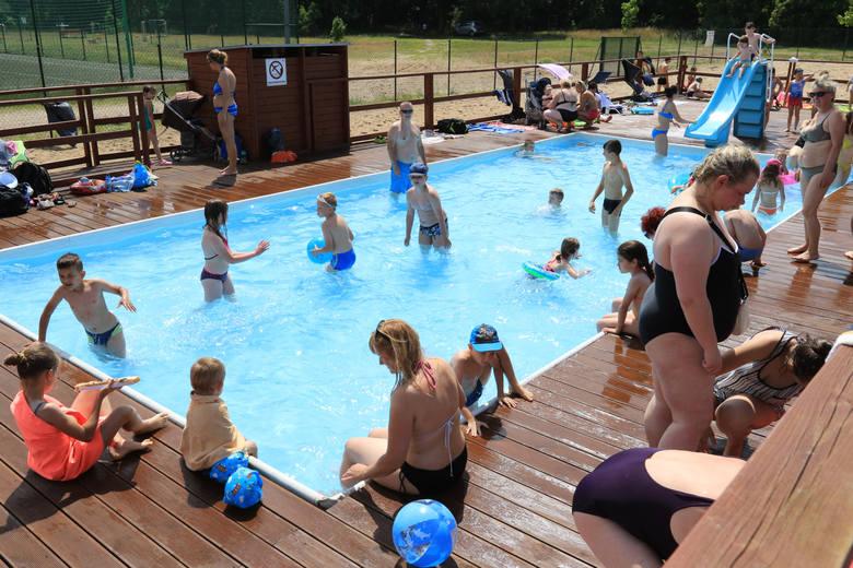 Otwarte baseny przy Skarpie już działają