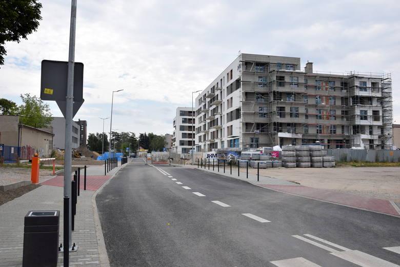 Nowa ulica Władysława Strakacza i apartamentowce Reymonta