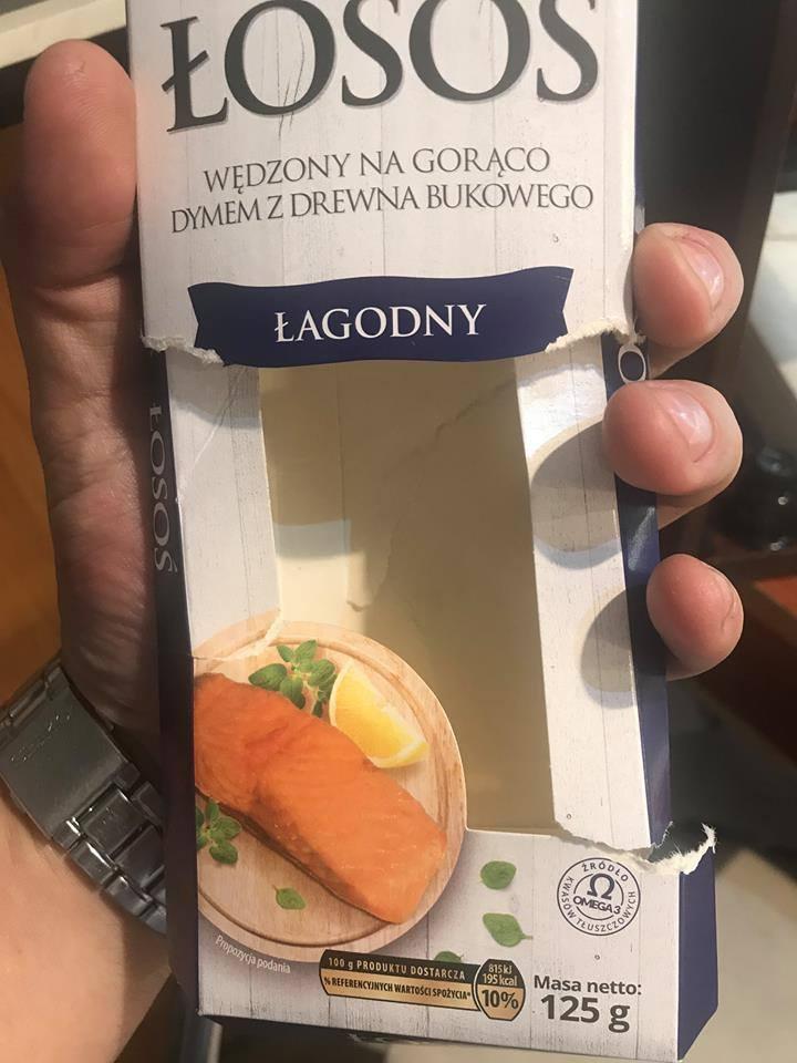 Klient Biedronki zważył łososia. Różne wagi na opakowaniu i na wadze? [zdjęcia]