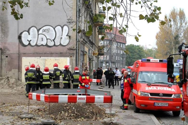 Wrocław: Kobieta chciała skoczyć z okna kamienicy przy ul. Hubskiej (ZDJĘCIA)