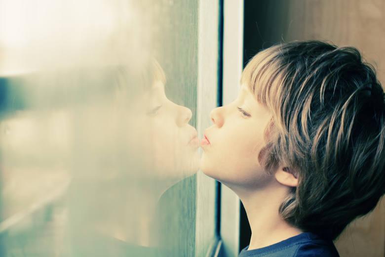 Autyzm - chłód emocjonalny matki czy szczepionki to   nie są przyczyny      [ROZMOWA]