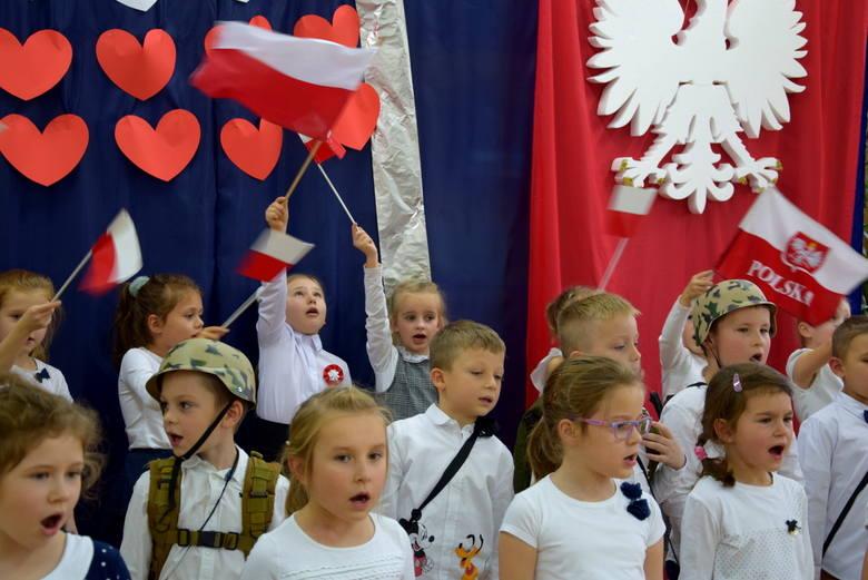 Festiwal Piosenki Patriotycznej w Przedszkolu nr 1 w Skierniewicach [ZDJĘCIA, FILM]