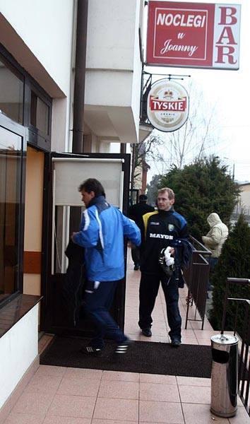 Jak głosiła plotka piłkarze Stali Sanok zatrzymali się w motelu, który w przeszłości miał być domem...uciech