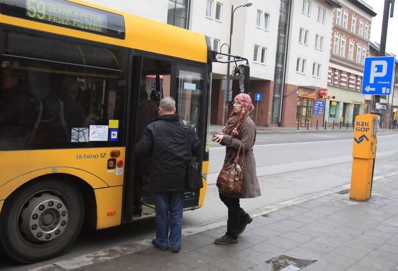 Pomysł pomalowania autobusów KZK GOP w żółto-niebieskie barwy Śląska budzi kontrowersje szczególnie w Zagłębiu