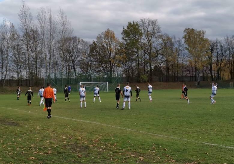 ŁKS Łódź wygrał w Rzgowie z Zawiszą 4:1, ale awans wywalczył dopiero po dogrywce.