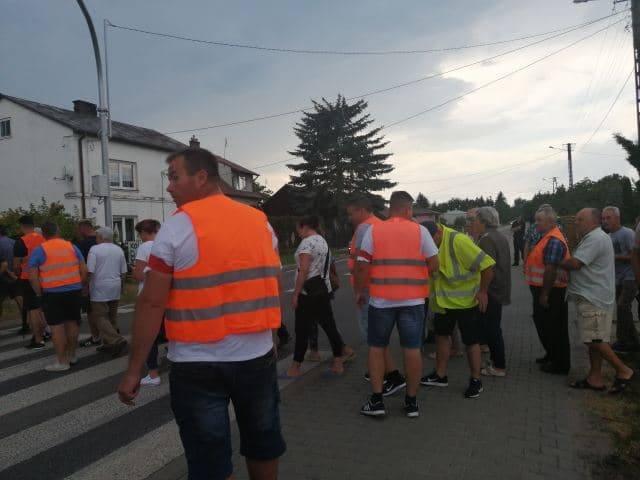 Protest w Mniszewie. DK 79 jest nieprzejezdna
