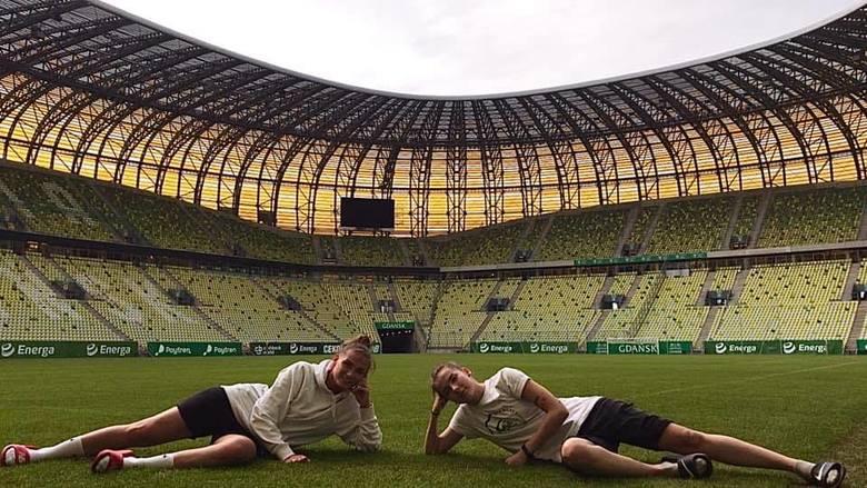 Niesamowite piłkarki Lechii Gdańsk! Nie brakuje im też wdzięku. Zobaczcie zdjęcia zawodniczek biało-zielonych! [GALERIA]