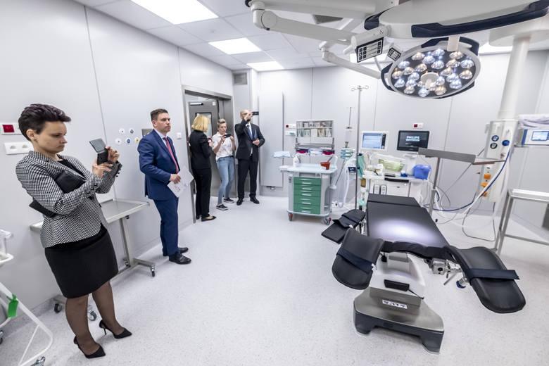Ginekologiczno-Położniczy Szpital Kliniczny przy ul. Polnej w poznaniu przeszedł kompleksową modernizację. Od teraz porody mogą odbywać się w niemal domowych warunkach.<br /> <br /> <strong>Zobacz kolejne zdjęcie ---></strong><br /> <br />