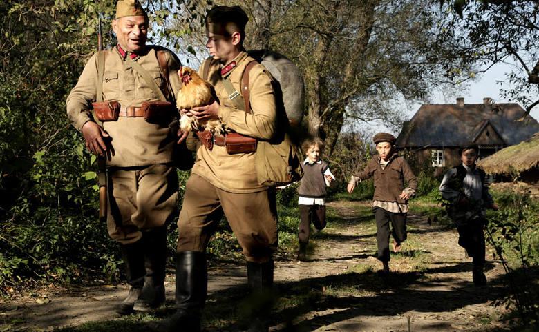 """""""Wołyń"""" i morze zła. Co zobaczymy w najnowszym filmie Wojciecha Smarzowskiego o rzezi wołyńskiej?"""