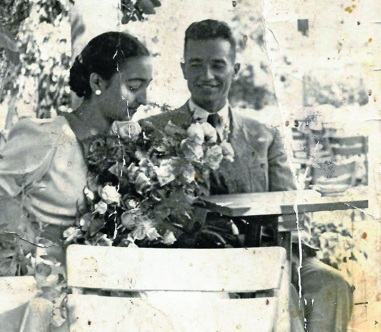 Irena i Witold Przelaskowscy po ślubie. Wilno 1937 r.<br />