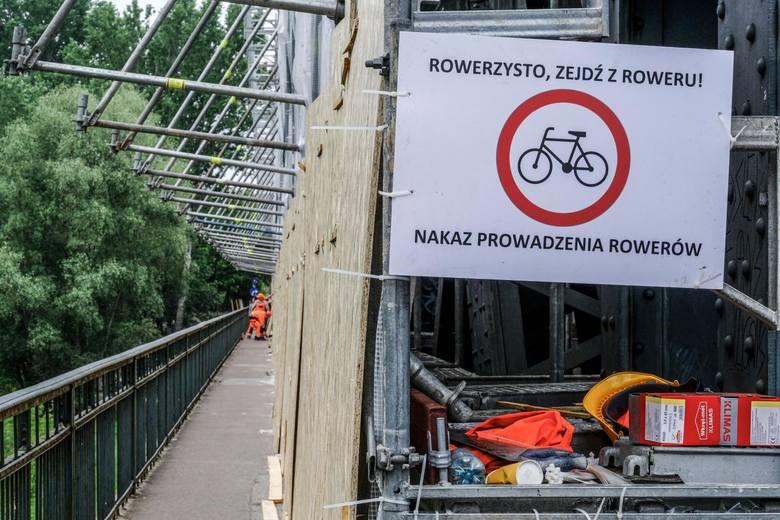 Od kilku miesięcy trwa przebudowa mostu im. Józefa Piłsudskiego w Toruniu. Z utrudnieniami muszą zmagać się wszyscy uczestnicy ruchu drogowego - nie