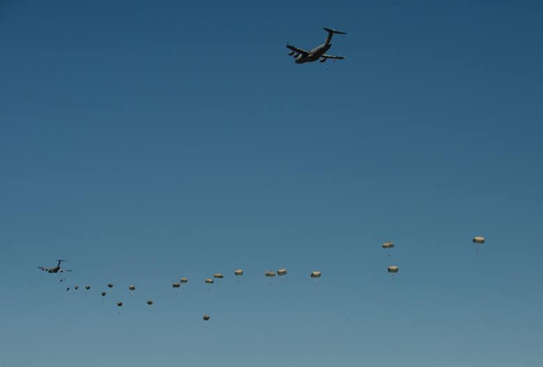 Lądowanie żołnierzy pod Toruniem.