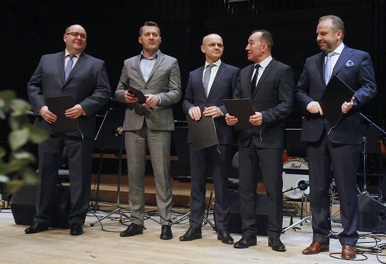 Menedżer Roku 2017 Regionu Łódzkiego. Tytuł otrzymali: Agnieszka Majcherska, Wiktor Napióra i Zbigniew Bednarek [ZDJĘCIA,FILM]