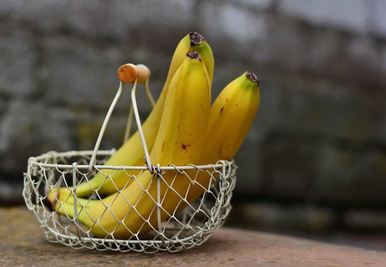 Kupujesz jednego banana czy jabłko jako przekąskę do pracy? Wybrałeś się do sklepu po jedną cytrynę czy ogórka? Nie pakuj ich w plastikową reklamówkę.